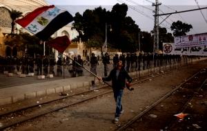 Un momento delle proteste di piazza anti-Morsi (Fonte immagine: internazionale.it)