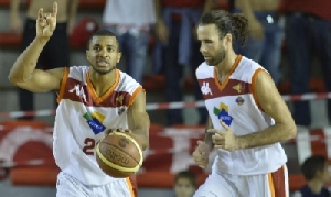 Taylor e Datome, fondamentali ieri nella vittoria contro Pesaro (fonte immagine: sportmediaset.mediaset.it)