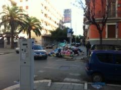Foggia, rifiuti in via Bari (fonte immagine © Francesca Britti)