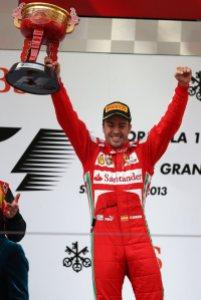 Fernando Alonso festeggia il suo 31° successo in Formula 1: eguagliato Nigel Mansell (fonte immagine: Fernando Alonso Official's Page Facebook)