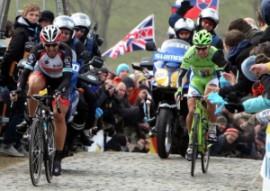 Un fermo immagine del Giro delle Fiandre 2013 (fonte immagine: italpress.com)