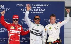 Il podio 2013 del Gp di Cina: da sinistra a destra Alonso, Hamilton (3°) e Raikkonen (2°):  (fonte immagine: Fernando Alonso Official's Page Facebook)