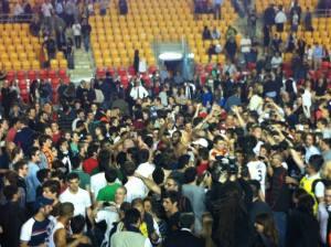 La festa del pubblico della Virtus al termine del match vinto contro Reggio Emilia