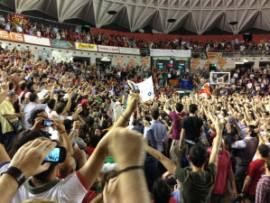 La festa dei tifosi della Virtus al termine del match contro Cantù