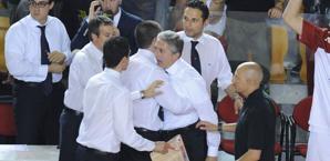 La furia del coach della Virtus Roma, Marco Calvani (fonte immagine: gazzetta.it)