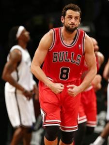 Marco Belinelli con la maglia di Chicago: da quest'anno è un giocatore dei S. Antonio Spurs (fonte immagine: yostatus.com)