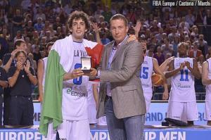 Nella foto Andrea Della Valle, premiato Mvp dell'Europeo Under 20