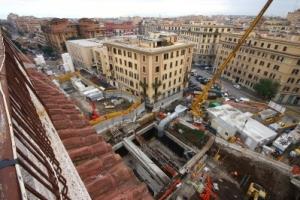 Un cantiere (ora fermo) della nuova Metro C di Roma (fonte immagine: romah24.it)