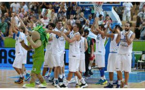 La gioia degli azzurri dopo la vittoria di ieri sera (fonte immagine: youfeed.it)