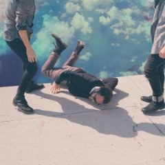 La copertina del nuovo album dei Local Natives, Hummingbird,
