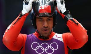 Fuahea Semi, alias Bruno Banani, primo atleta di Tonga partecipante ai Giochi Olimpici Invernali