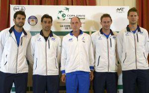 La squadra azzurra di Coppa Davis: da sinistra, Bolelli, Fognini, Barazzutti, Volandri, Seppi (fonte immagine: Sky Sport)