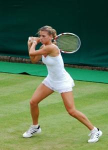 Camila Giorgi in azione a Wimbledon nel 2011 (fonte immagine: Wikimedia)