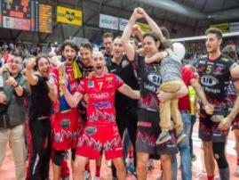 La Sir Safety Perugia festeggia l'approdo in finale (fonte immagine: frescodiweb.it)