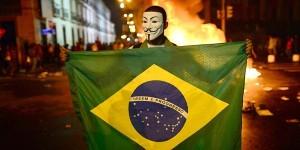 brasile-protesta-mondiali-2014-san-paolo-incidenti-costruzione-stadi-mondiali-2014-a-rischio-600x300