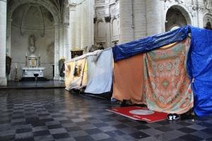 Alcune tende nella chiesa di S. Joan Baptiste au Beguinage, a Bruxelles (Foto di Elisa DI Benedetto)