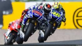 """Jorge Lorenzo e Valentino Rossi, """"inseguitori"""" di Marc Marquez nel mondiale  (fonte immagine: Facebook.com/MotoGP)"""