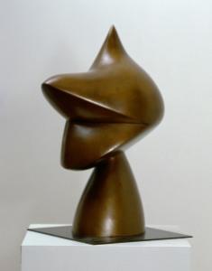 "Jean Arp, Tête de lutin, dite ""Kaspar"", 1930, bronzo, 50×28×19 cm, Clamart, Collezione della Fondation Arp, Francia © Fondation Arp, Clamart/foto JP Pichon"