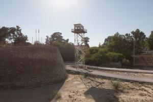 Una vecchia torre di controllo delle Nazioni Unite, posta nella parte turca di Nicosia | © Michele Cirillo