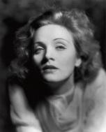 Marlene Dietrich fotografata da Eugene Robert Richee per Marocco [Morocco], 1930. Paramount Pictures © John Kobal Foundation